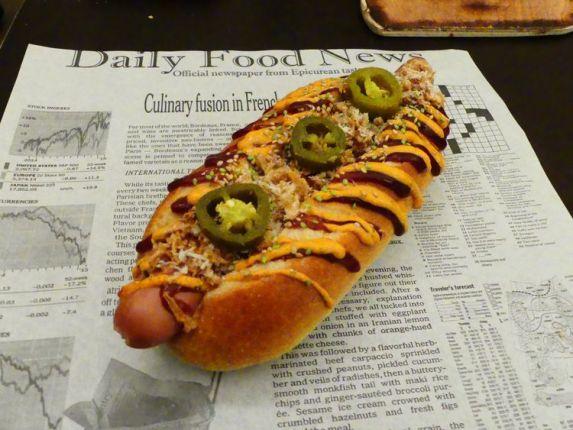 foodtruck met frieten hotdog