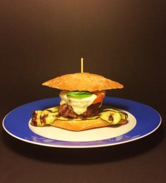 Tomate-Mozzarella-Burger