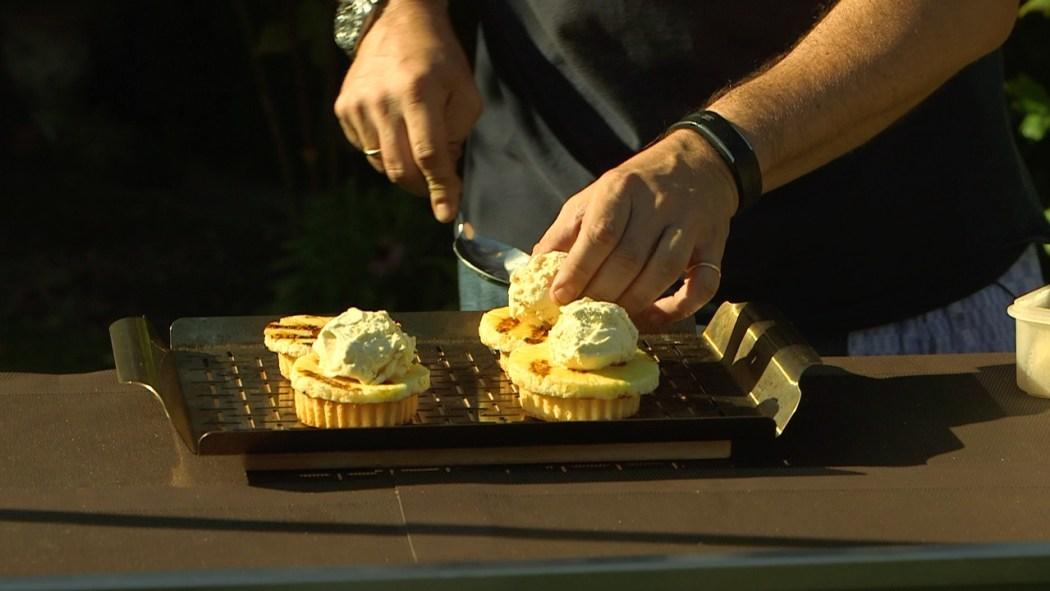 Mini-Eisbomben mit Ananas