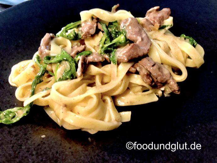 Tagliatelle mit Rinderfilet und Gorgonzola