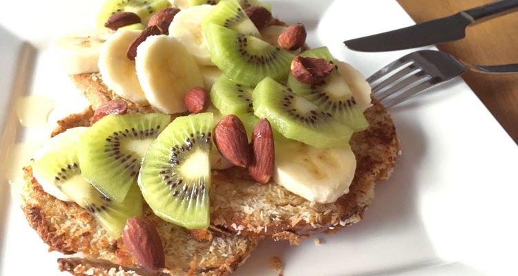 Wentelteefjes met kokos, banaan en kiwi