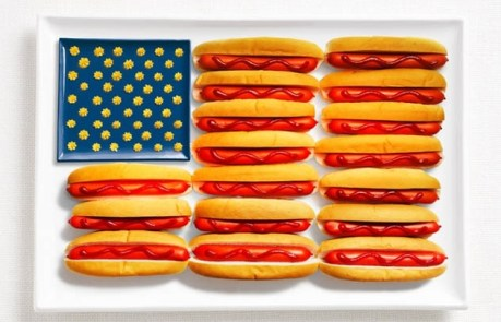 USA hot dog ketchup mustard