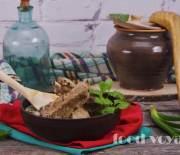 Зеленые щи с ребрышками, крапивой и черемшой