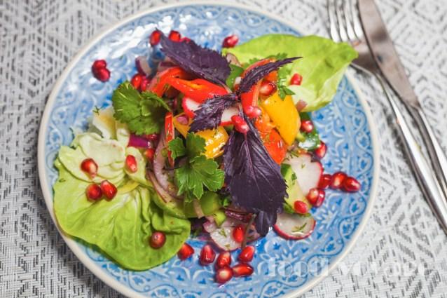 Чобан салат — Пастуший салат из свежайших овощей и пряных трав