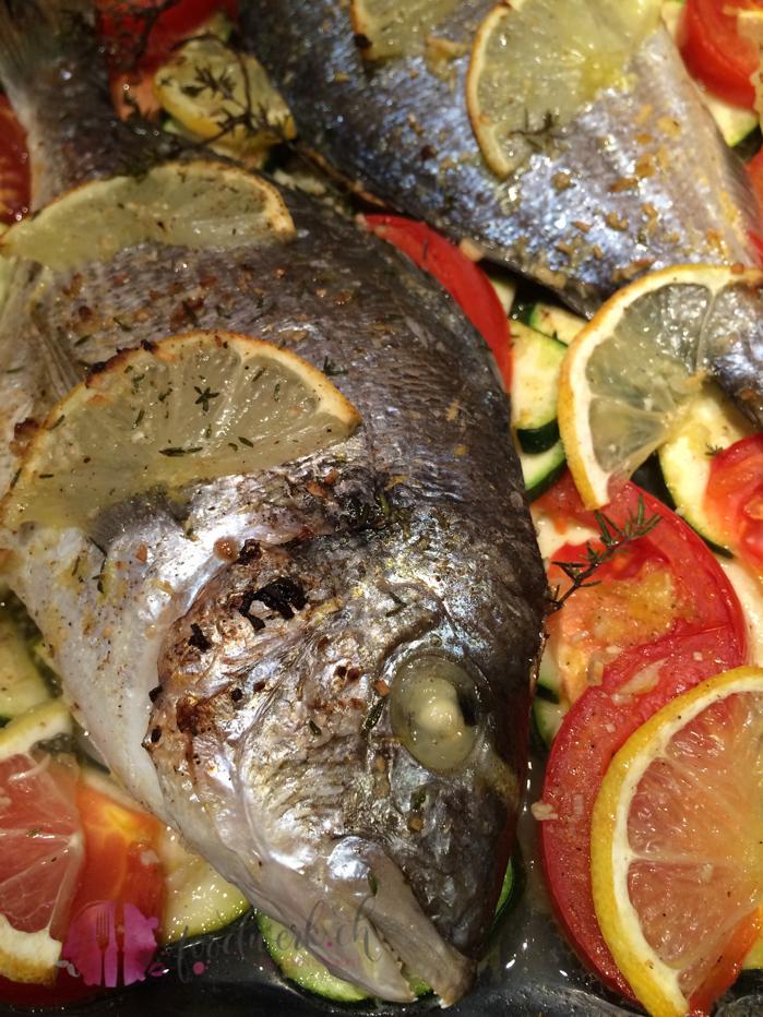 healthy food, healthy fish, kalorienarm, gesund, lowcarb, dorade, fisch, gemüse, fisch mit gemüse, fish, oven, schweizer foodblogs, foodwerk.ch, foodblog, blog, food, kochen, backen, cook, bake, swiss, swiss foodblog, foodblogger, foodie, intsafood