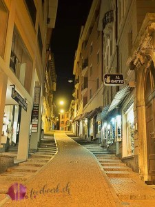 gasse bei night in lugano