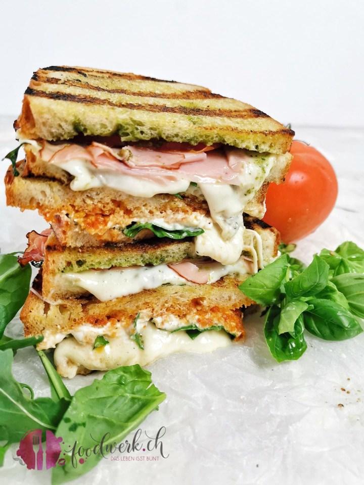 Sandwich vom Grill als Restenverwertung