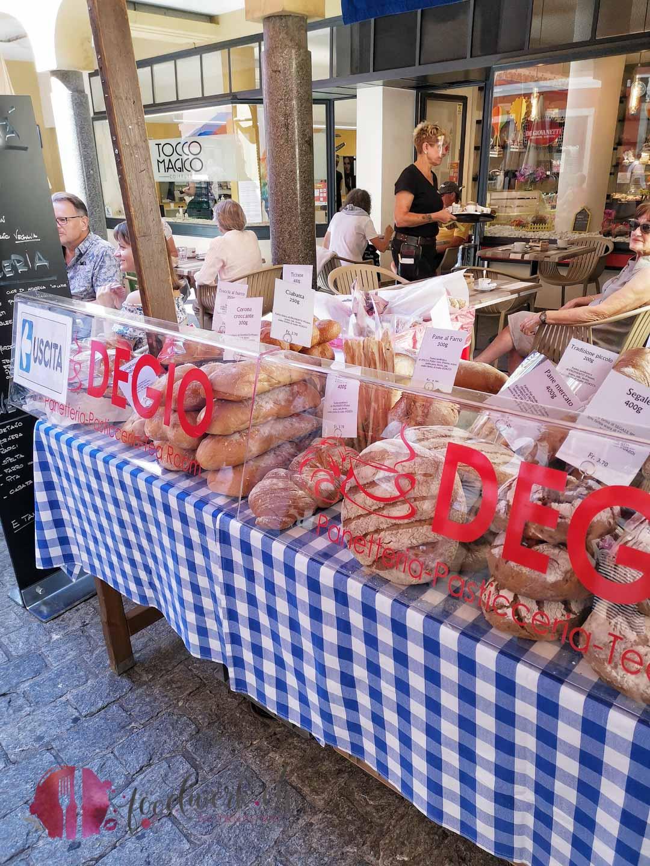 Brotstand am Markt in Bellinzona