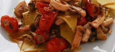 FOOD/ LA DOMENICA IN TAVOLA:  RAVIOLI DI PESCE CON ROMBO E BRANZINO E UN CALICE DI CHARDONNAY CASALE DEL GIGLIO 2020