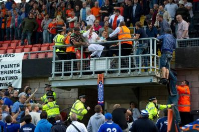 dundee-united-vs-dinamo-moscow-2-8-2012-hooligans
