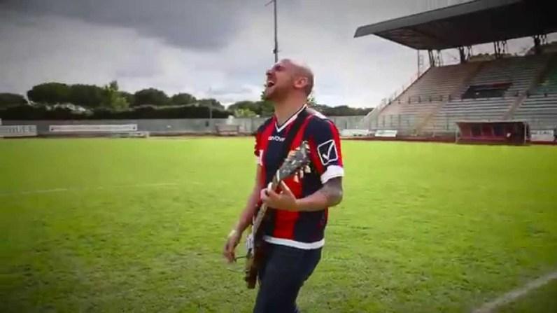Calcio e musica ska con l'inno della Casertana FC, Everybody let's go