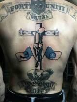 Napoli: tatuaggio skinhead
