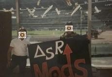 Roma: mods con stendardo