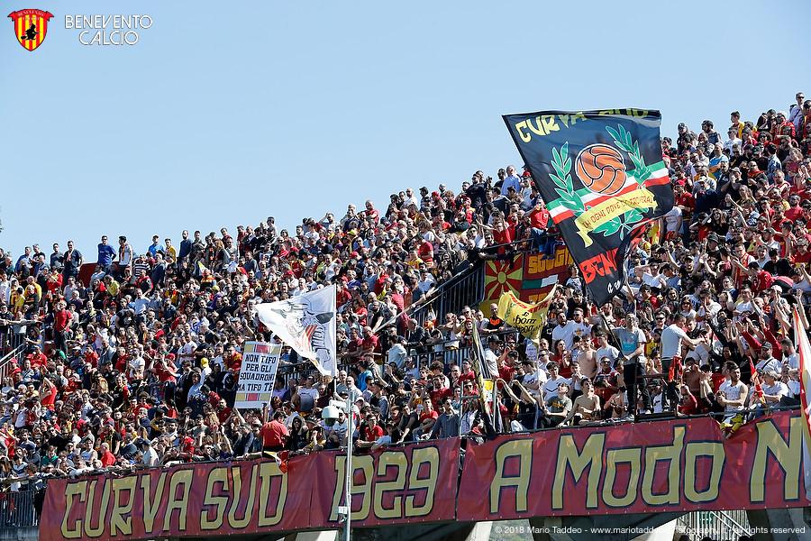tifoseria calcio catania canzone stadio