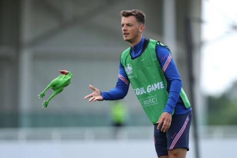 Brighton respond to Arsenal's improved transfer bid for Ben White