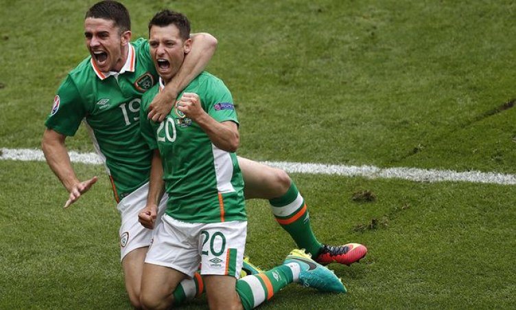 Hoolahan-and-Robbie-Brady