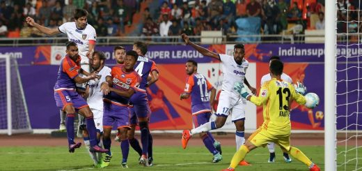 Henrique Sereno of Chennaiyin FC takes a shot to score a goal during match 15 of the Hero Indian Super League between FC Pune City and Chennaiyin FC held at the Shree Shiv Chhatrapati Sports Complex Stadium, Pune, India on the 3rd December 2017 Photo by: Faheem Hussain / ISL / SPORTZPICS