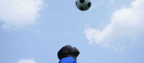 footballfrance-mort-record-du-monde-jongles-avec-tete-illustration