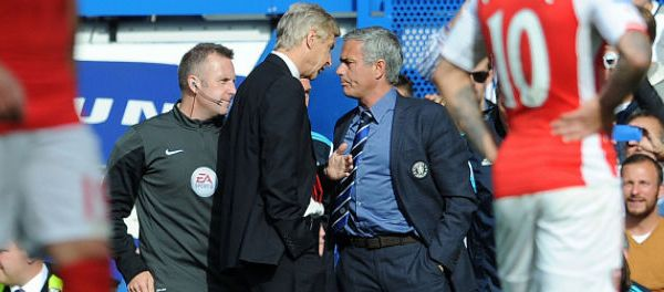 footballfrance-arsene-wenger-vs-jose-mourinho-las-vegas-combat-de-pouces-a-mort-illustration