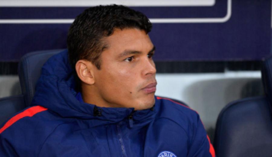 PSG : Sa femme refuse de le laisser sortir le soir de la Saint-Valentin, Thiago Silva déclare forfait