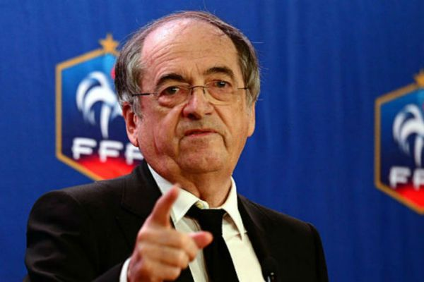footballfrance-noel-le-graet-benzema-valbuena-large-illusstration