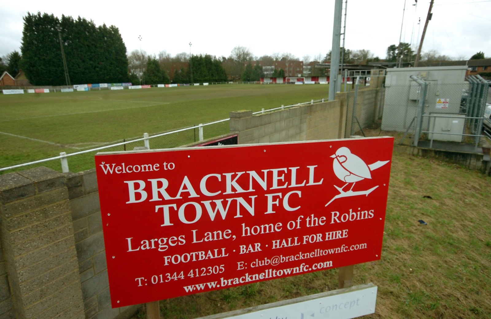 When will Larges Lane re-open for Bracknell Town FC?