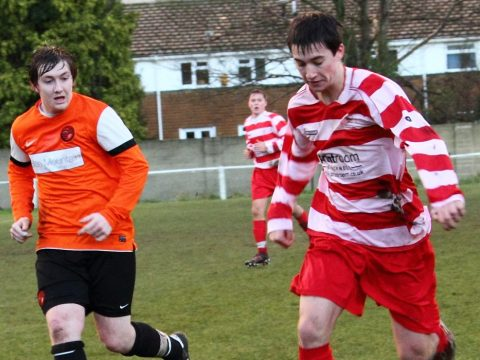 Wokingham & Emmbrook sign experienced Hellenic League forward