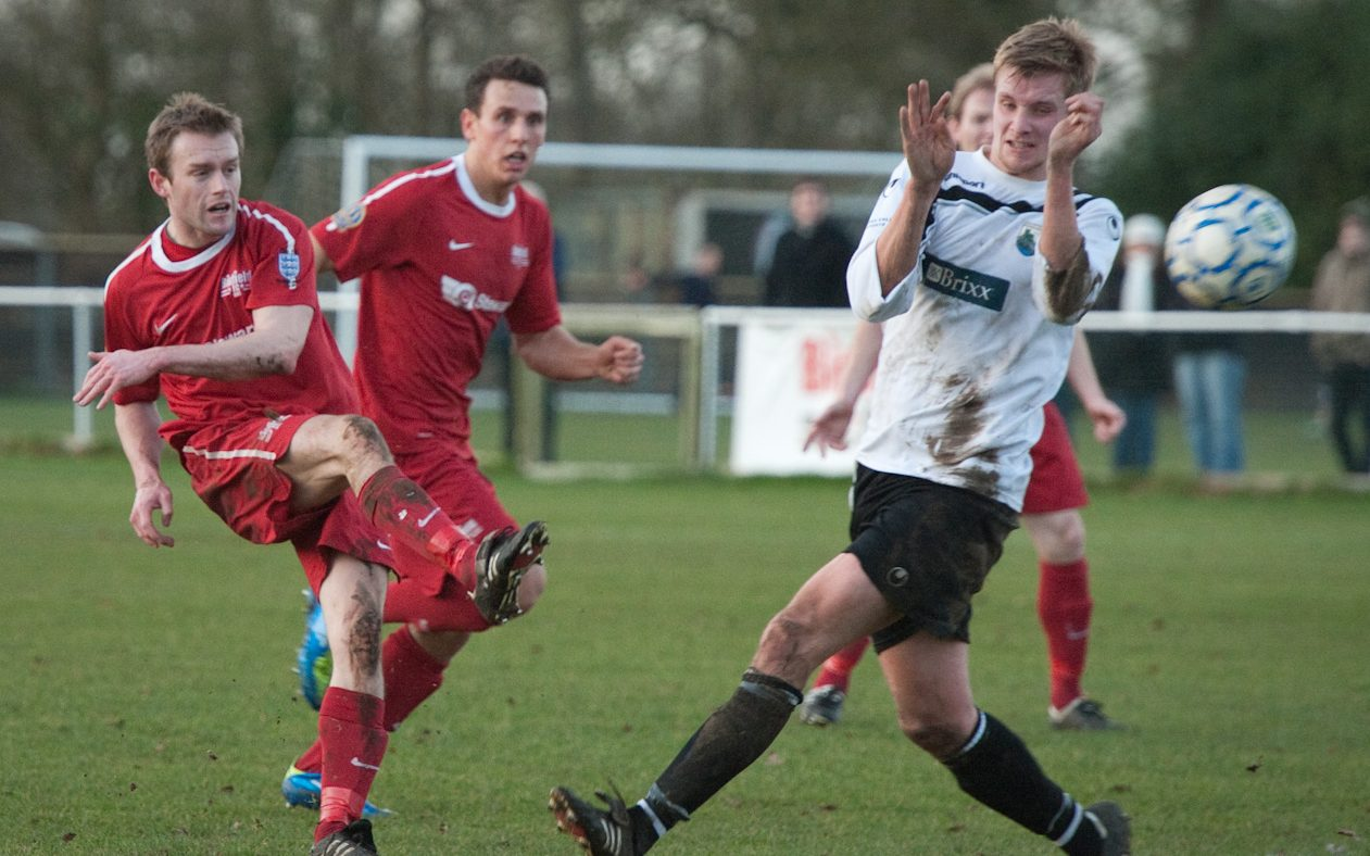 Bracknell Town's Mark Tallentire reunited with Thatcham striker