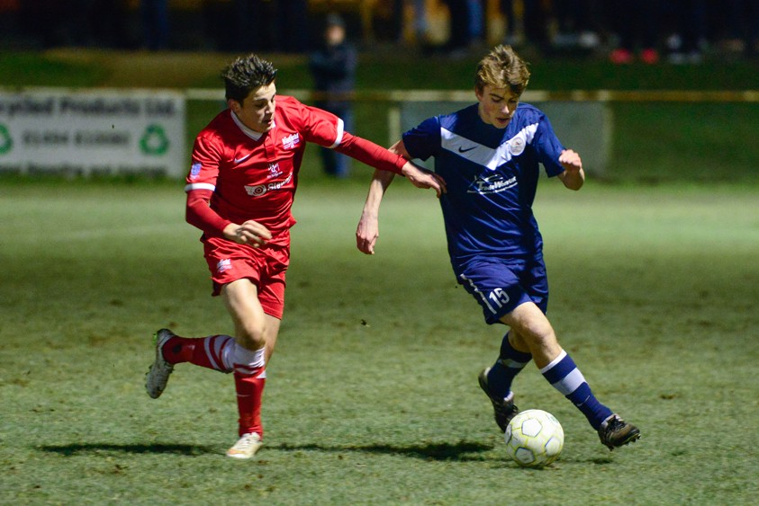 Bracknell Town's Connor Thorndike takes on Seb Bowerman. Photo: Connor Sharod-Southam.