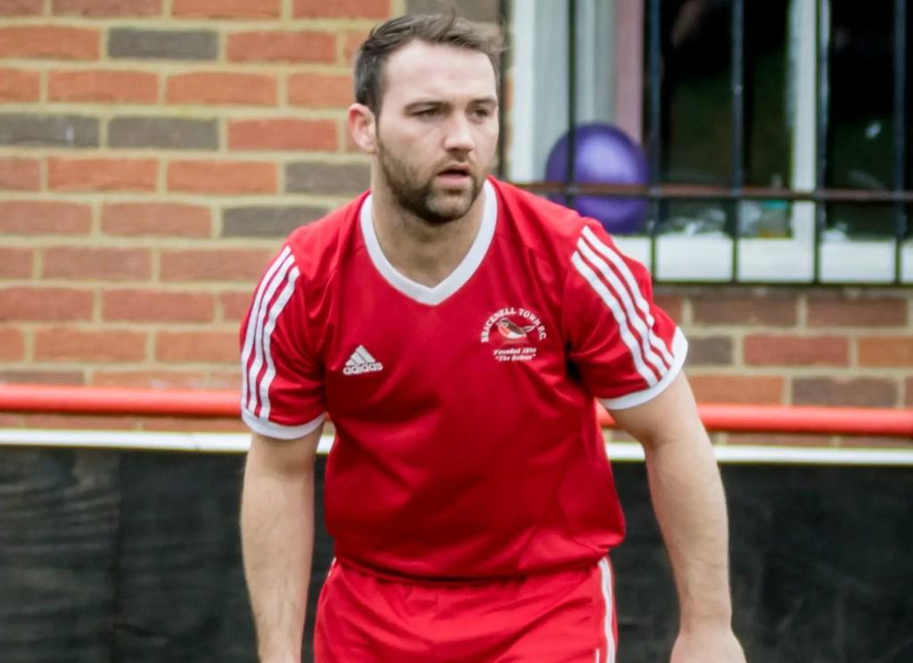Joe Yeates signs, Jamie McClurg to stay with Bracknell
