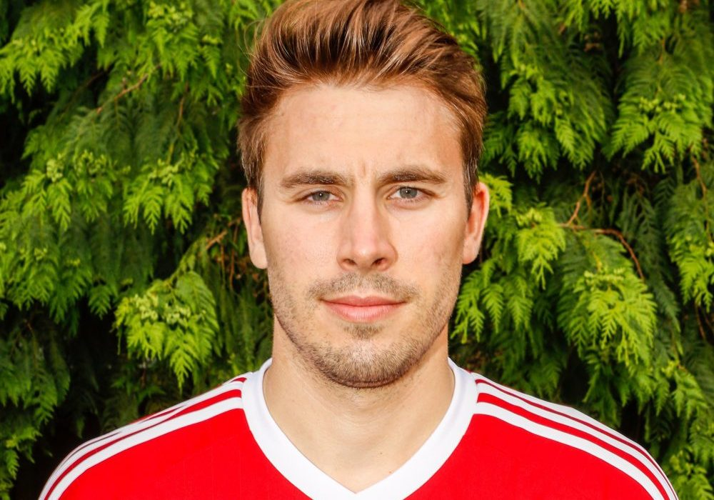 Lee Boon back at Bracknell Town FC and ALL the Hellenic League transfers 18/1/2018 to 25/1/2018