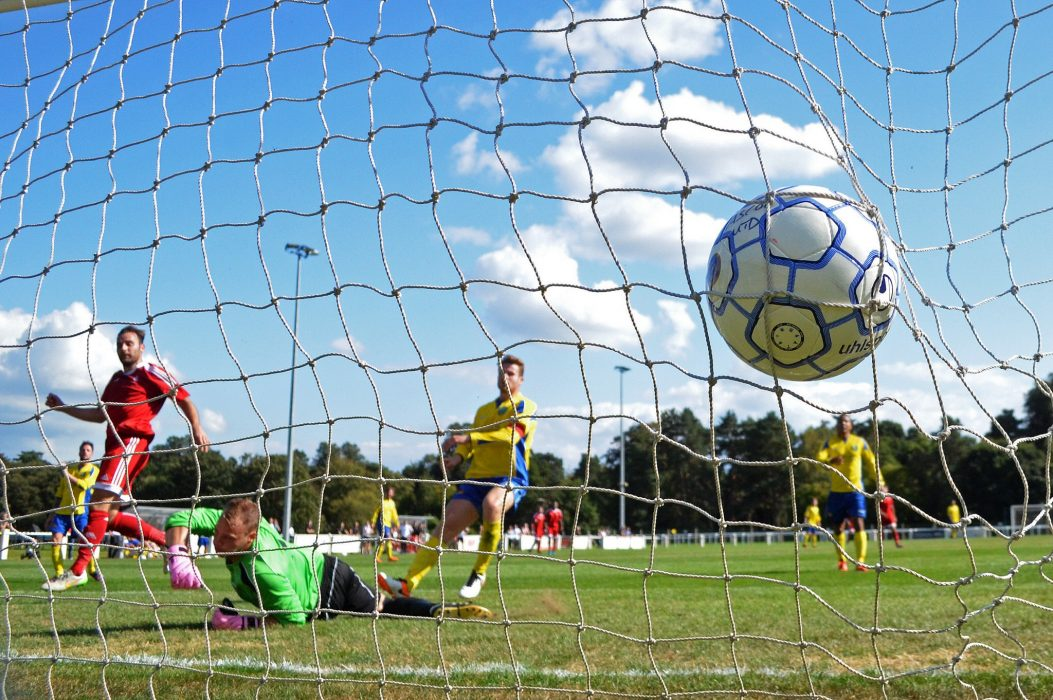 Watch the goals as Bracknell Town FC beat Ascot United FC