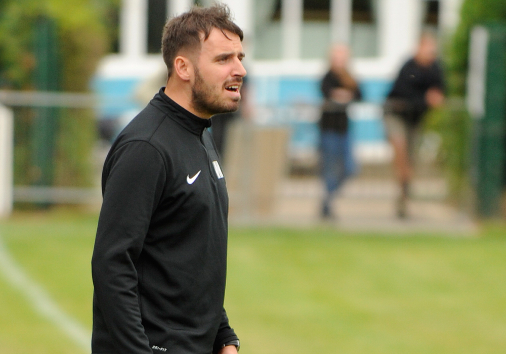 Michael Herbert to step down at Woodley United