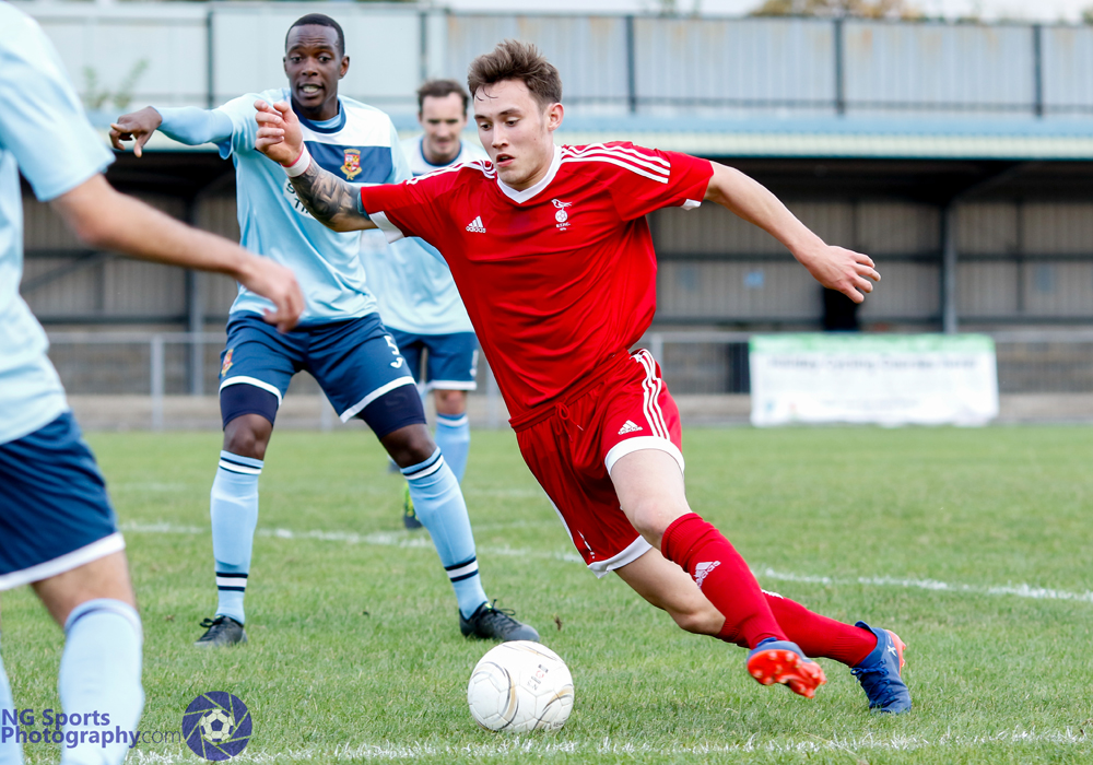 Joe Grant sends Bracknell Town on their way to another Hellenic League win