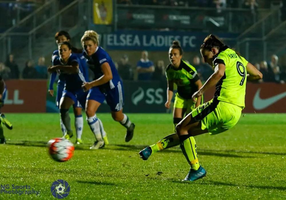 Lauren Bruton scores from the penalty spot for Reading FC Women. Photo: Neil Graham.