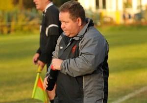 Wokingham & Emmbrook FC manager Clive McNelly. Photo: Mark Pugh.