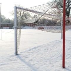 Snow go in Bracknell as white stuff blankets pitches