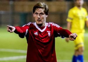 Danny Wing of Bracknell Town FC. Photo: Neil Graham.
