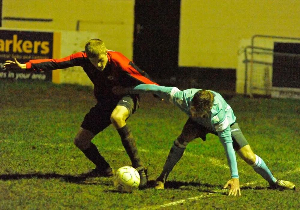 Woodley United vs. Sandhurst Town action. Photo: Mark Pugh.