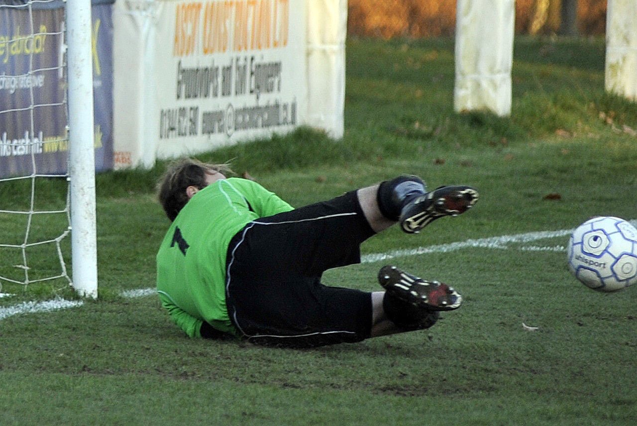 Bracknell Town hit five, Finchampstead beat title challengers and all the results
