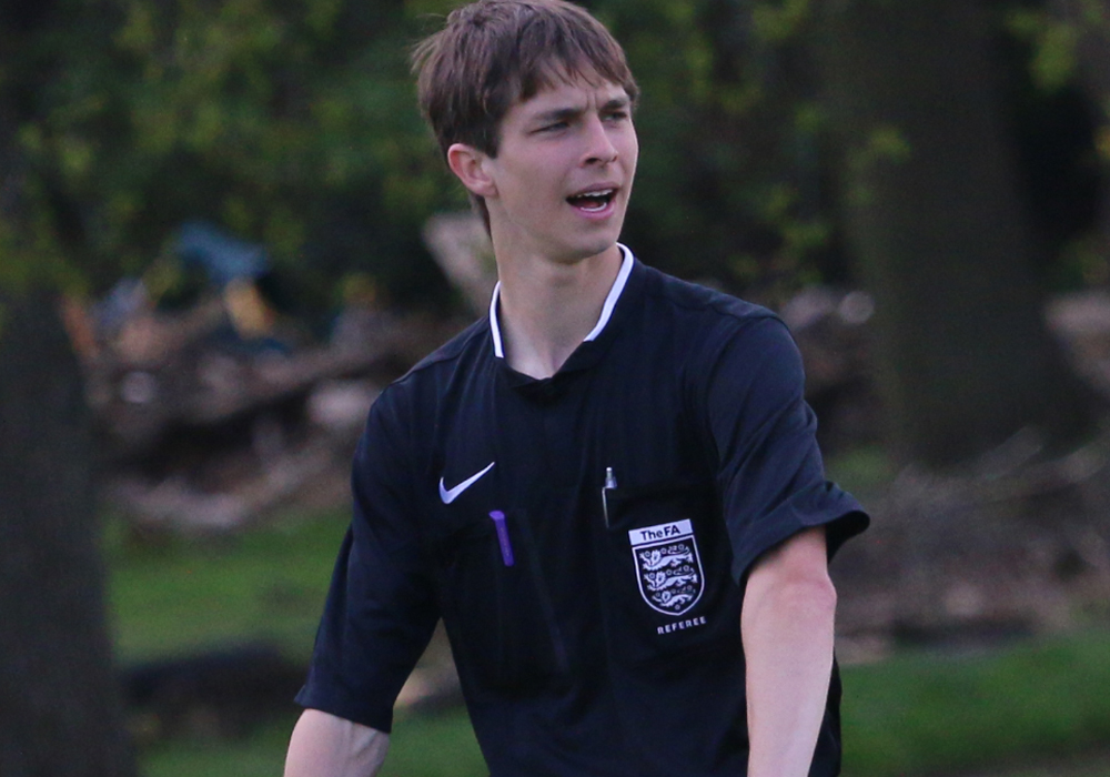 Bracknell Sunday League looking to recruit new referee's