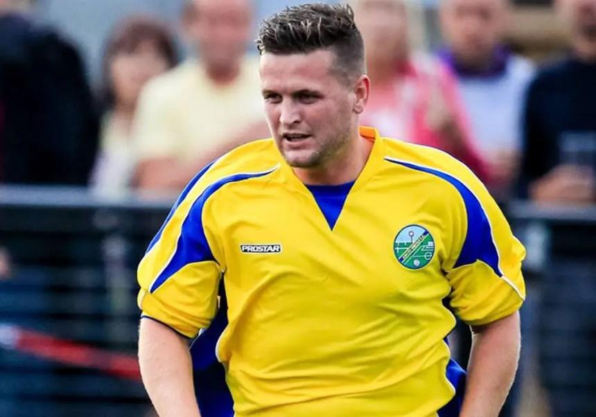 Ascot United's Rob Lazarczuk. Photo: Neil Graham.
