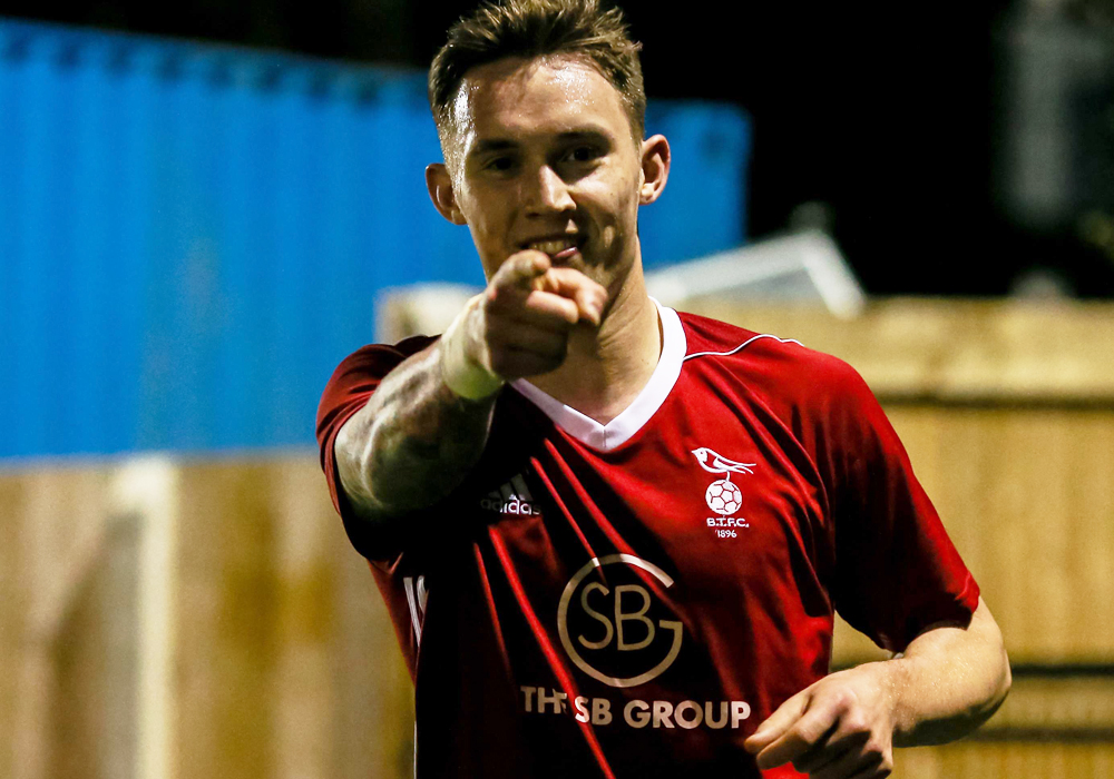 Weekend: Bracknell Town need 10 goals and Woodley United need points