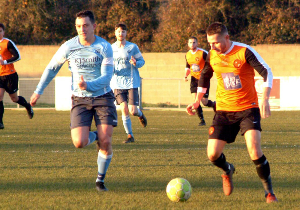 Wokingham & Emmbrook and Woodley United clash at Larges Lane