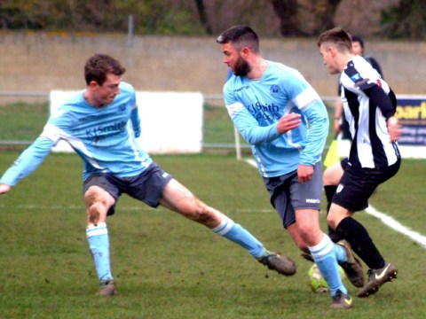 Step 6 Review: Woodley United keep up fine form in Hellenic League Cup