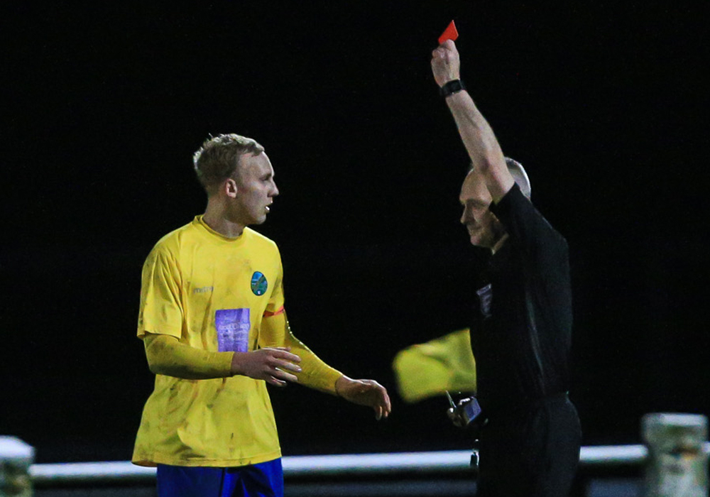 Louis Bouwers is sent off. Photo: Rob Mack/Shooting Stars.