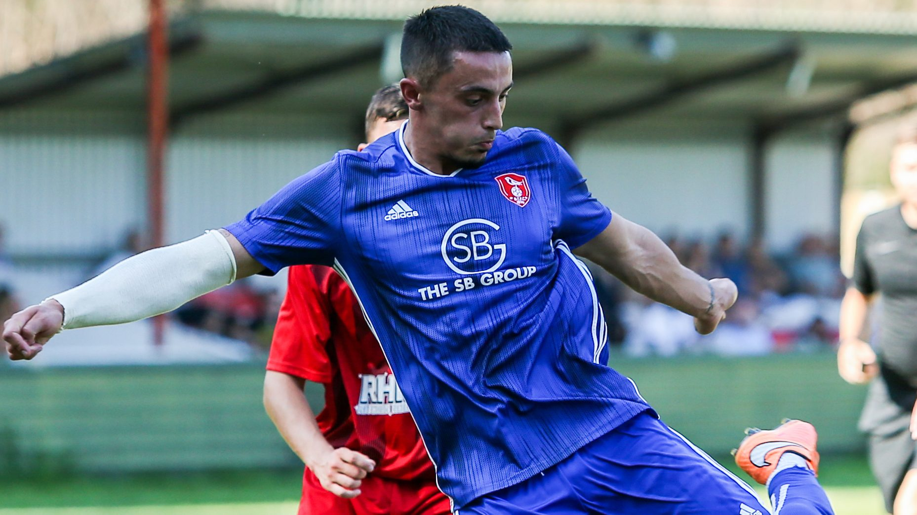 'They should be worried about us' says Bracknell Town boss