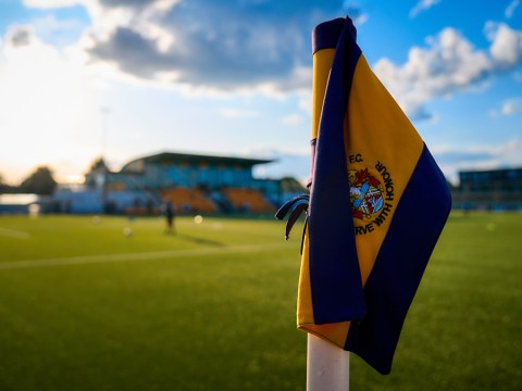 Slough Town add Eastleigh midfielder