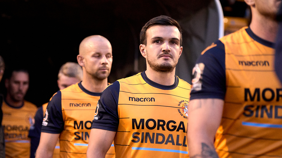 Slough Town beaten by Dartford in National League play-off