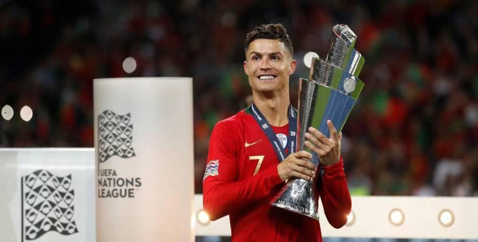 'रोनाल्डो आधुनिक फुटबलका सर्वश्रेष्ठ खेलाडी हुन्'